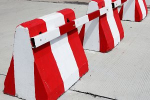 Safety concrete barrier