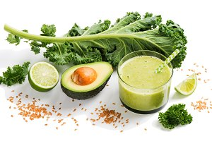 Kale smoothie with cereals