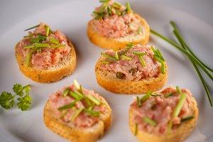 Bruschetta with liver sausage