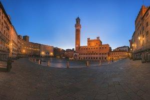 Piazza del Campo in the morning