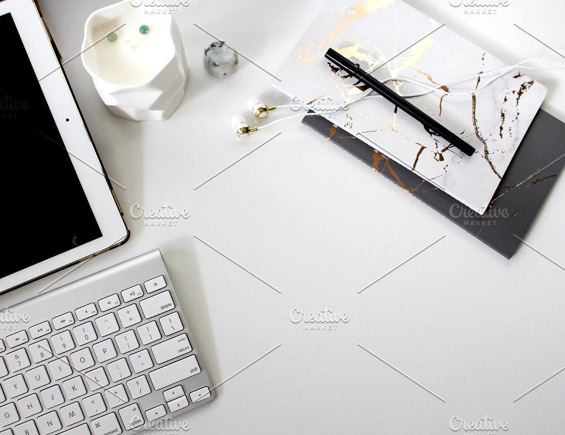 iPad & Marble Notebooks Desktop