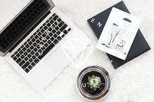 17 Styled Photos - Cozy Studio