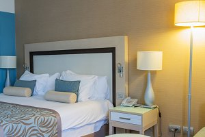 Hotel room .