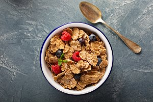 Multigrain healthy cereals with fresh berry