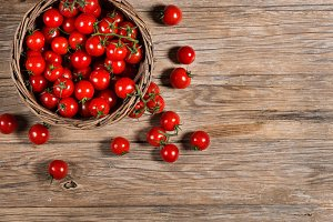 Basket with cherry tomatoes.