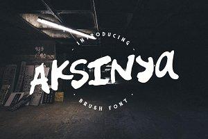 Aksinya Brush Font