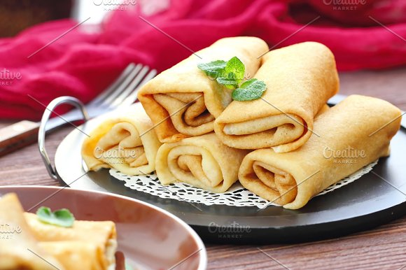 Rolled Pancakes With Cottage Cheese