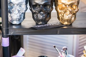 Containers in the shape of skulls