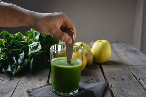 Smoothie with spinach