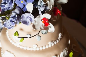 Three-storied wedding cake