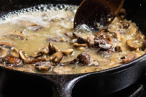 Mushrooms and gravy