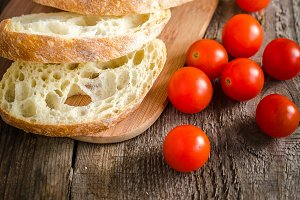 Ciabatta with vegetables