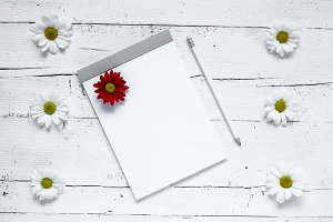 Clipboard with flowers