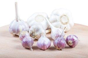 Organic garlic .