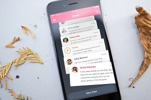 iPhone Chat App Screen