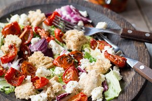 Panzanella - healthy italian salad