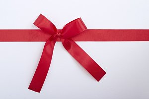 red gift satin ribbon bow