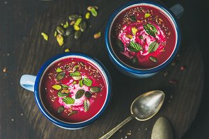 Detox beetroot soup with mint