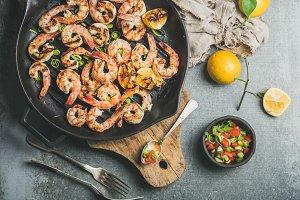 Grilled tiger prawns in pan
