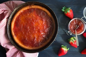 Homemade baked cheesecake