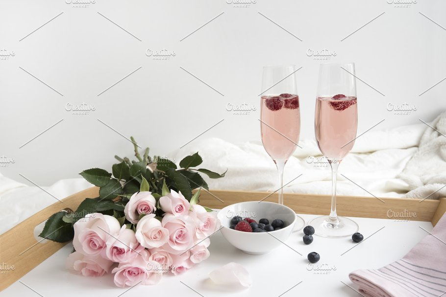 Pink Roses Champagne Holidays