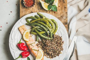 Roasted salmon & multicolored quinoa
