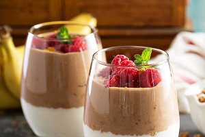 Banana and chocolate yogurt parfait