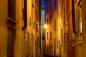 Gamla stan street at night