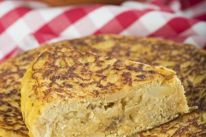 Spanish potatoes omelette