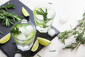 Lemonade with rosemary and ice