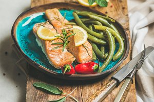 Roasted salmon fish with lemon