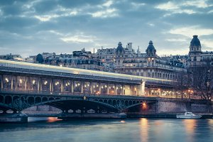 Bir-Hakeim bridge Paris