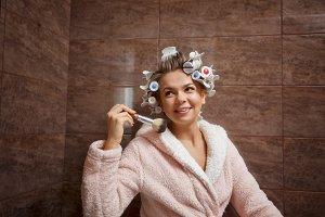 Housewife morning makeup