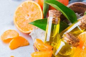 Organic essential tangerine, mandarin, clementine oil