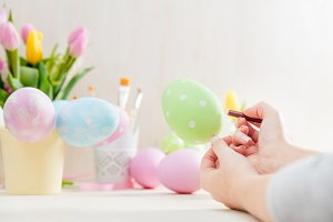 Easter egg creative painting.