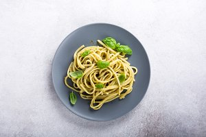 Linguine with green pesto