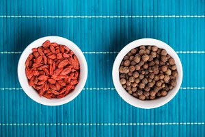 Goji berries and allspice