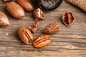 Cracked pecan nuts