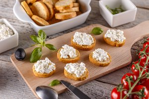 Bruschetta with cottage cheese