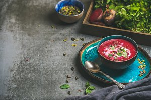 Detox beetroot soup with seeds