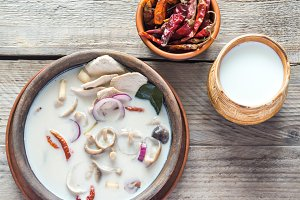 Thai tom kha kai soup