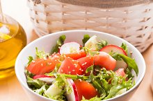 Salad with sesame seeds