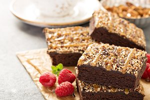 Fudgy brownies with nuts and caramel