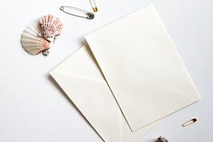 Coral Card Mockup //