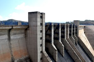 Architectural dam of marsh