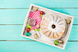 Easter cakes and bunnies