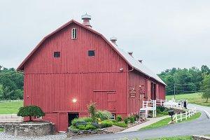 Barn / Stock Photo