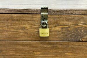 Closed lock on the box.