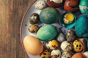 Colored chicken and quail eggs