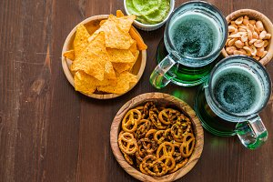 St Patrick day party - green beer and appetizers